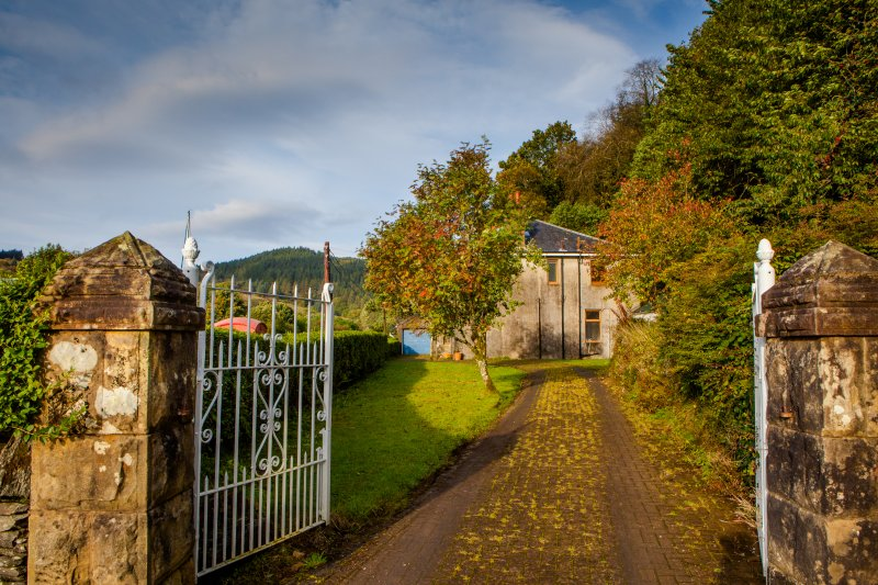 entrance gates and driveway