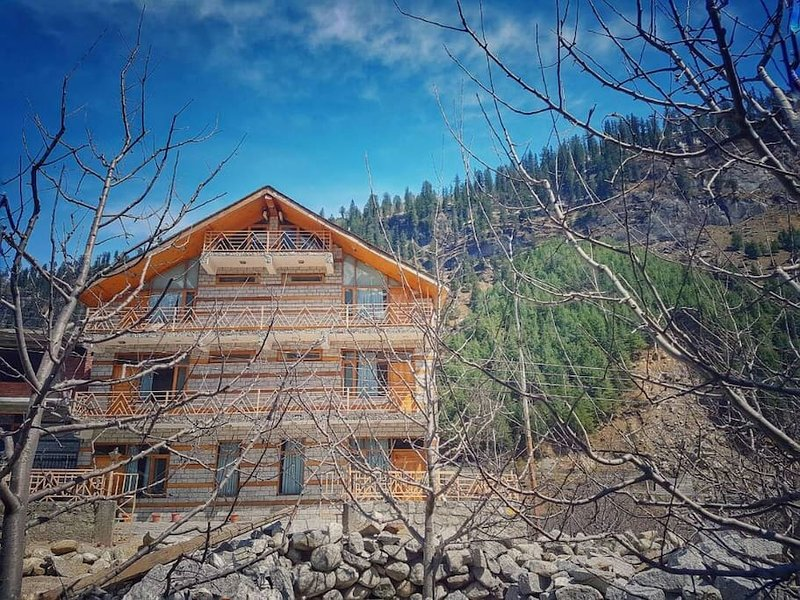 Manali Mountain Home, Manali, é uma casa de família localizada na região pitoresca de Manali, Kullu Distr