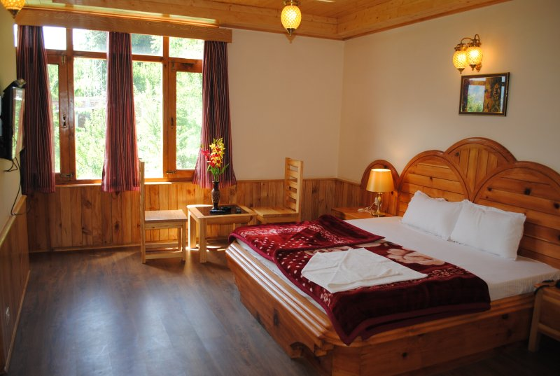 Deluxe Room at Princess Villa, Manali, holiday rental in Karjan