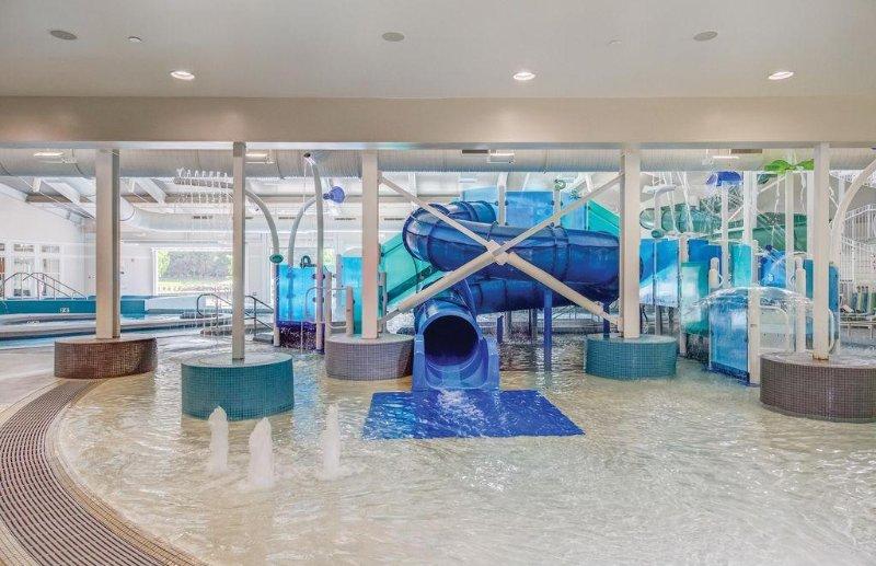 Beachwoods Resort Indoor Waterpark Water slide