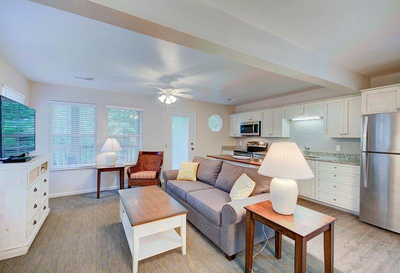 Beachwoods Resort 1BDR Living Room and Kitchen