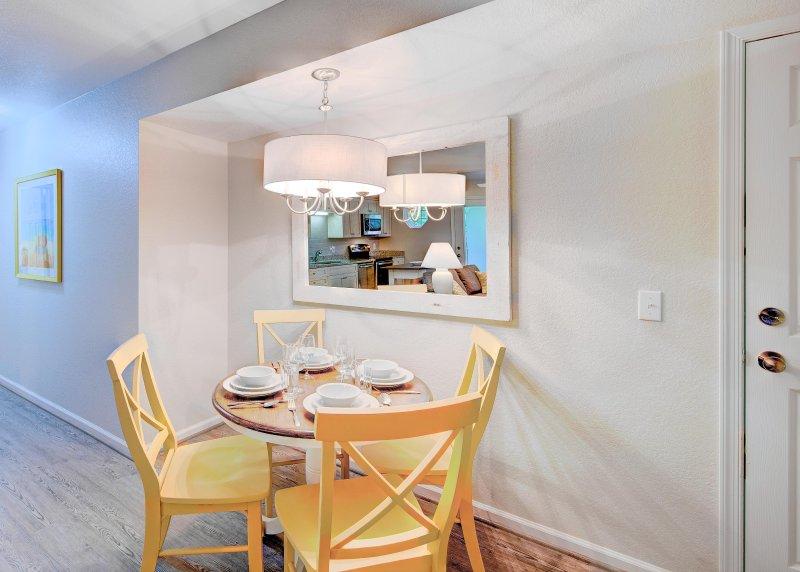 Beachwoods Resort 1BDR Dining Area