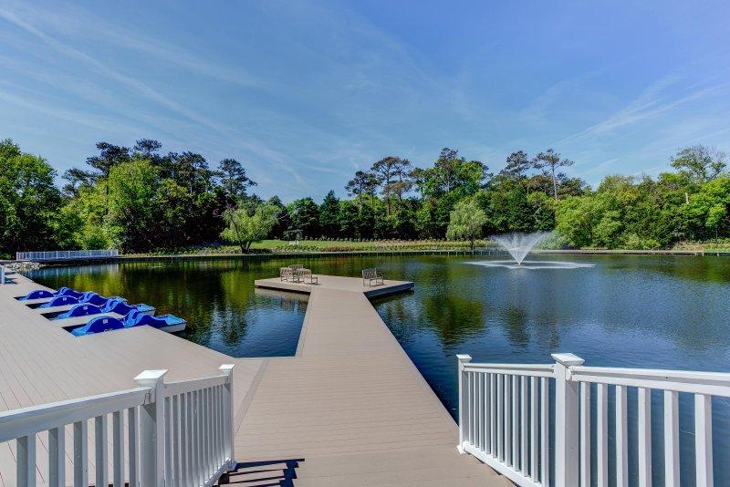 Beachwoods Resort Lake