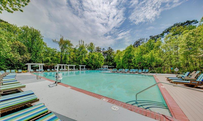 Beachwoods Resort Outdoor Pool