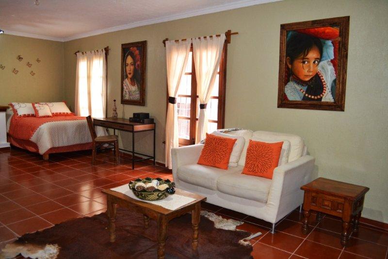 Suite #1 Cama Queen y Cama Matrimonial