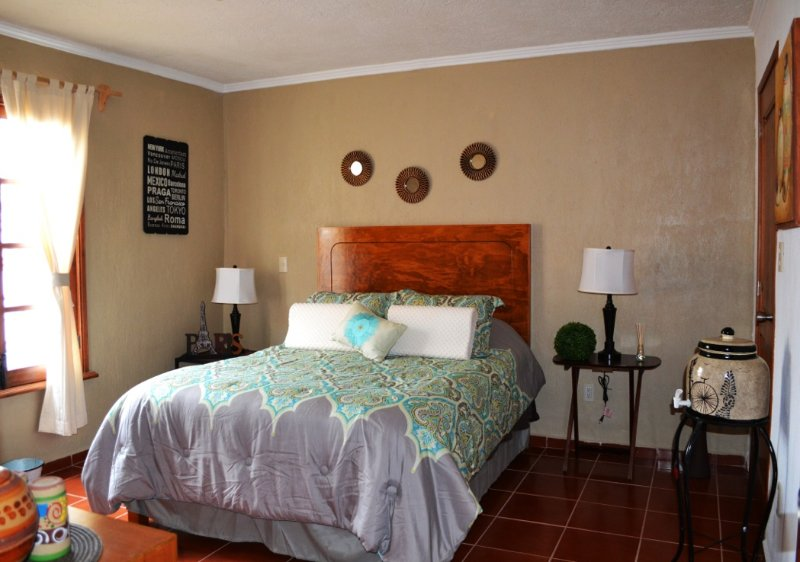 Beautiful suite, well-lit, ideal for a comfortable stay in Guanajuato.