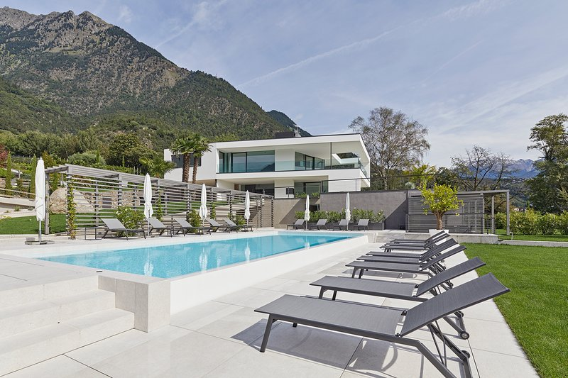 the view luxury suites, Ferienwohnung in Lagundo (Algund)