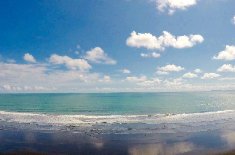 Direct front Ocean View.