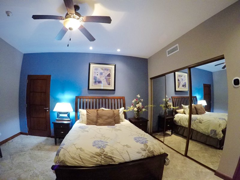 2nd Guest Bedroom Queen Size bed.