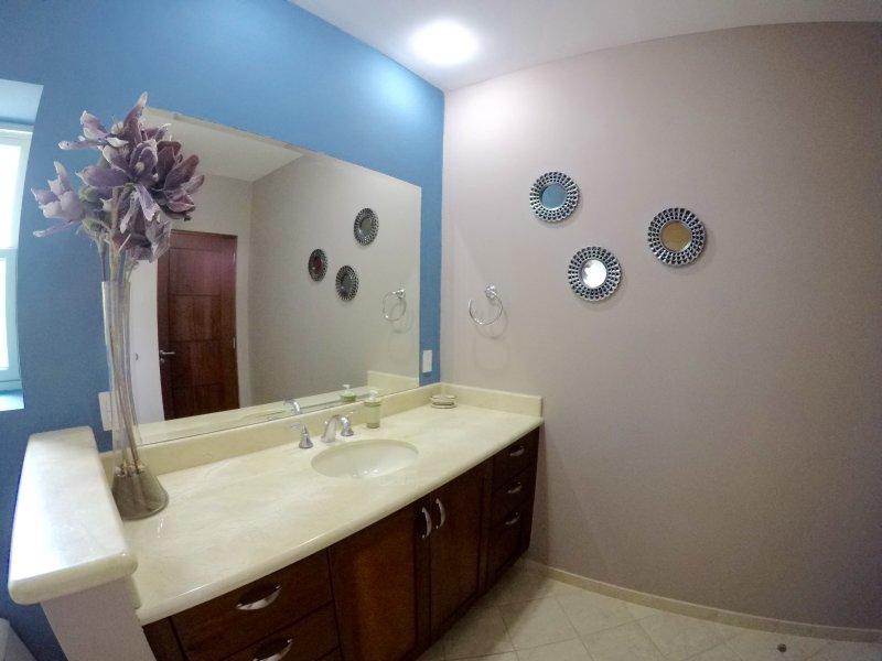 2nd Guest Bedroom Full Bathroom..