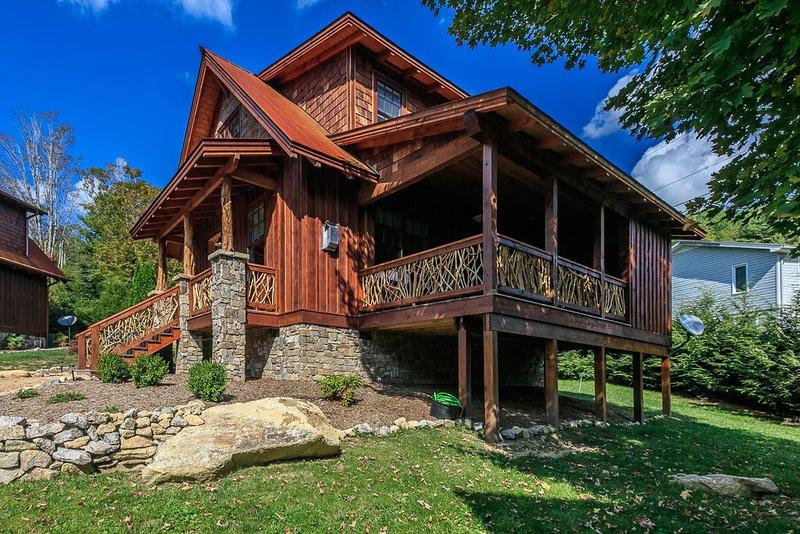 Cottage de la cola blanca en el río Elk River Club en Eagles Nest, Banner Elk, NC.Hunt, pescar, pasear selección de U