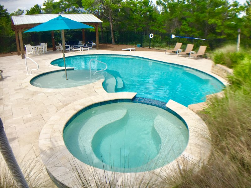 Large private pool, spa and cabana EXCLUSIVELY for Little Gray Cottage guests.