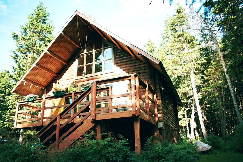 Alyeska Hideaway Vacation Rentals - Alyeska Cabin