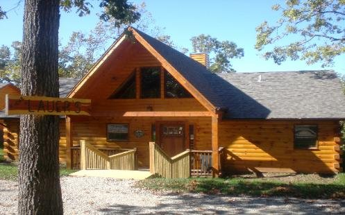 Welcome to Cross Timber! 3 bdr Loft game table and hot tub with best views of cabins