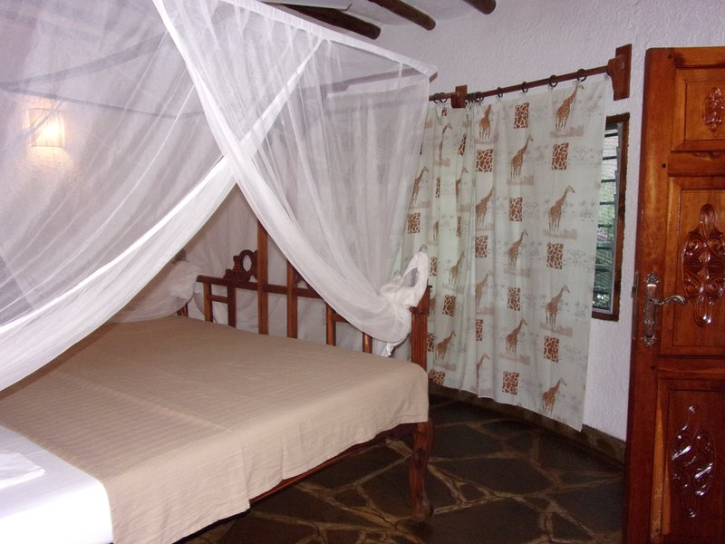 double room with bath 2