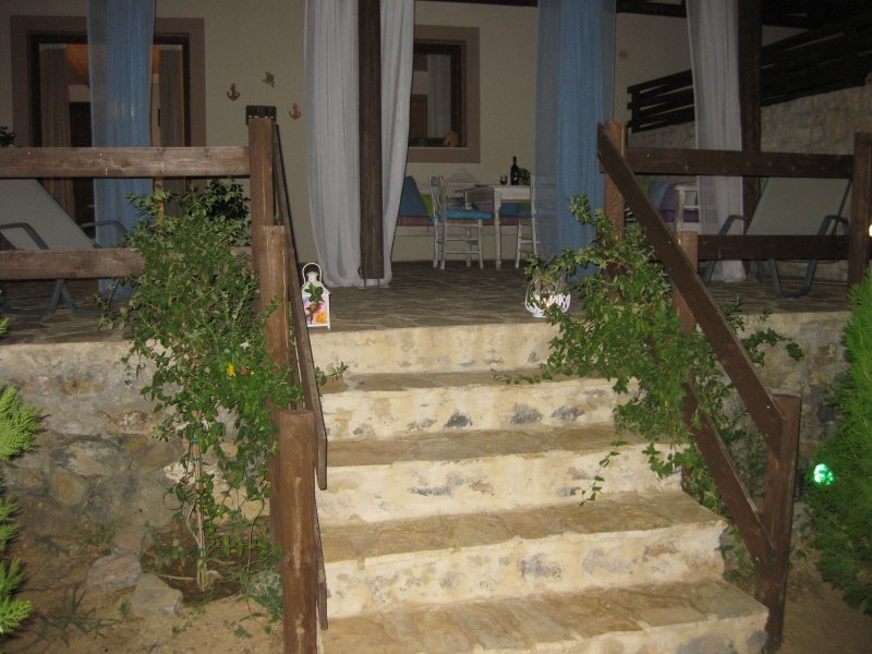 Villa Ostria on a farm in Rethymno, a holiday rental nestling in the serenity of nature.