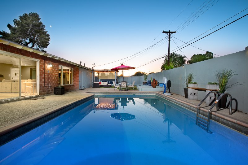 Private heated Pool and yard