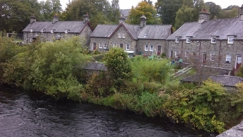 Houses in Ysbyty Ifan