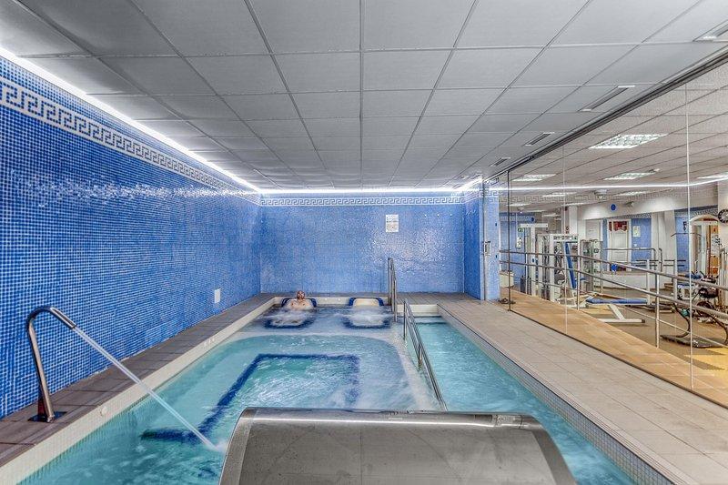 Royal Oasis Club at Pueblo Quinta Whirl Pool and Gym