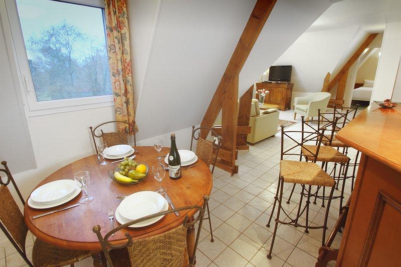 Le Manoir des Deux Amants Dining Room
