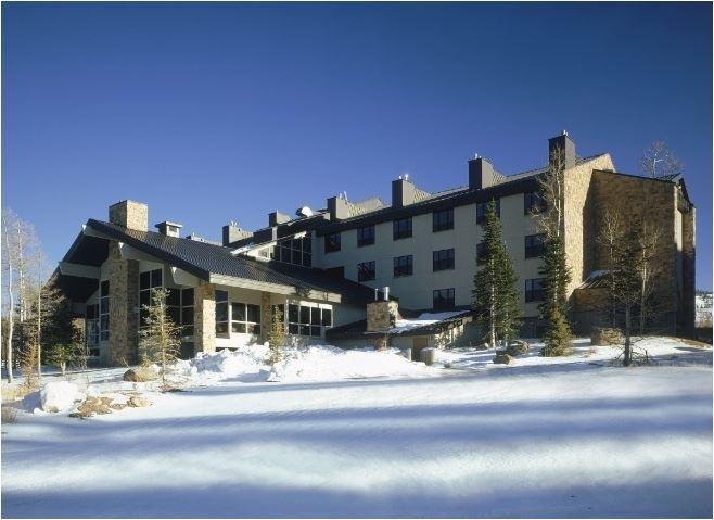 Cedar Breaks Lodge & Spa Exterior