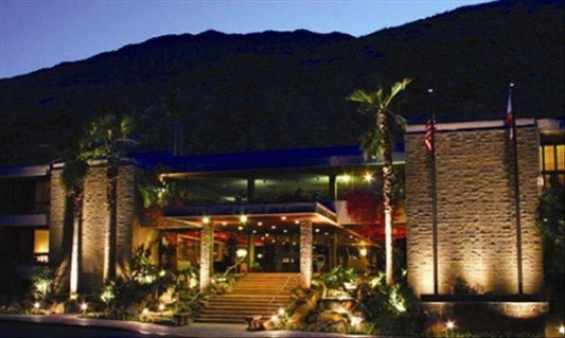 Palm Canyon Resort Tennis Club