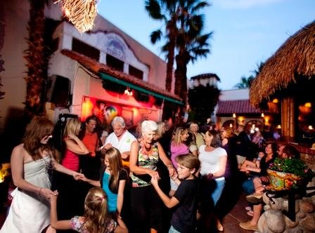 Dancing outdoors in Palm Springs - Palm Canyon Resort
