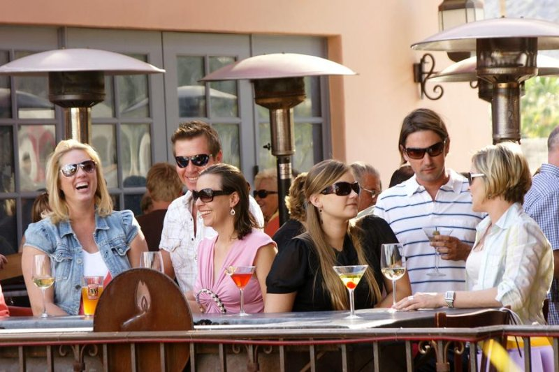 Social hour in Palm Springs - Palm Canyon Resort