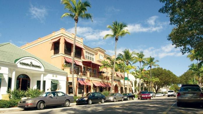 Charter Club Resort Naples Street Scene