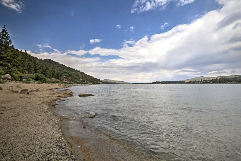 Big Bear Lake offers a great selection of activities, including fishing, skiing, hiking, and more!