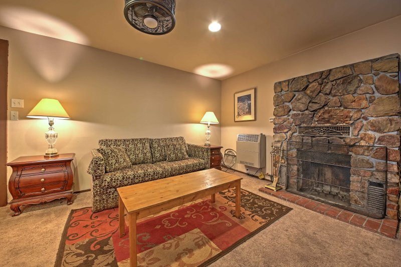 Pack up your fishing gear and head over to this Big Bear Lake vacation rental studio cabin!