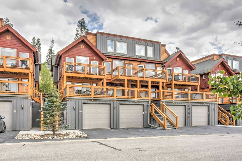 Complete with a 1-car garage with a built-in ski rack, this townhome is equipped