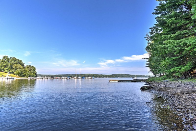 Enjoy easy access to swimming, boating, water sports and sun tanning.