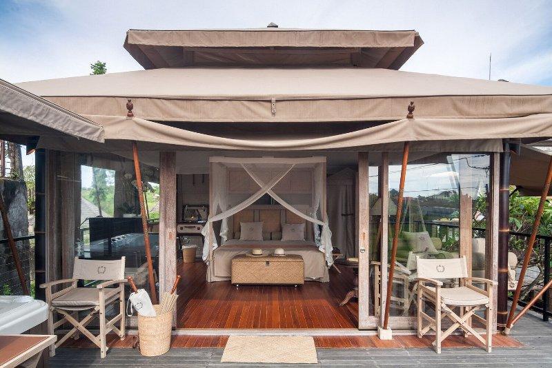 Exclusive Luxury Rooftop Tent Umalas Has Balcony And