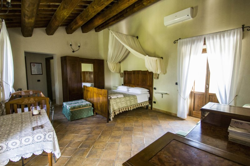 Agriturismo Il Portone, Suite Andromeda, vacation rental in Bolognano