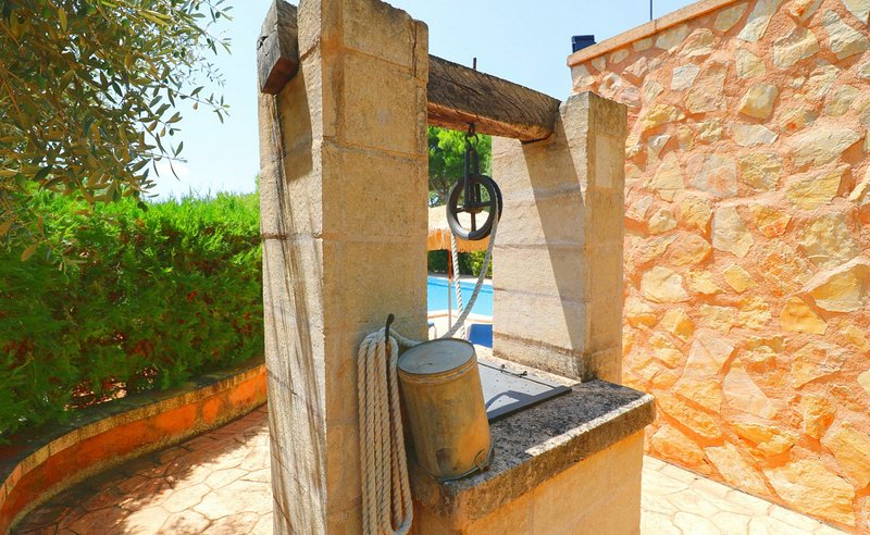 Can Crestall, wifi free, private pool – semesterbostad i Campos