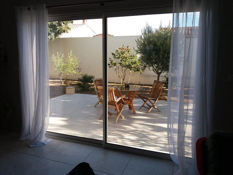 Maison de charme tout confort avec jardin salle de jeux et billard., holiday rental in Marignane