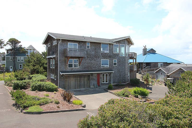 Pirate's Paradise is an amazing large family home!, holiday rental in Lincoln Beach