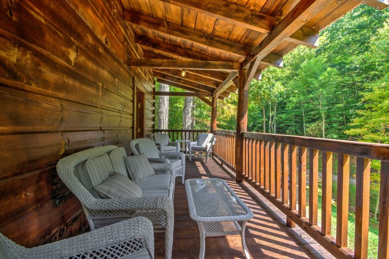 Get in touch with nature or cheer on the Mountaineers from this 3-bedroom, 3.5-bathroom Trade vacation rental cabin!