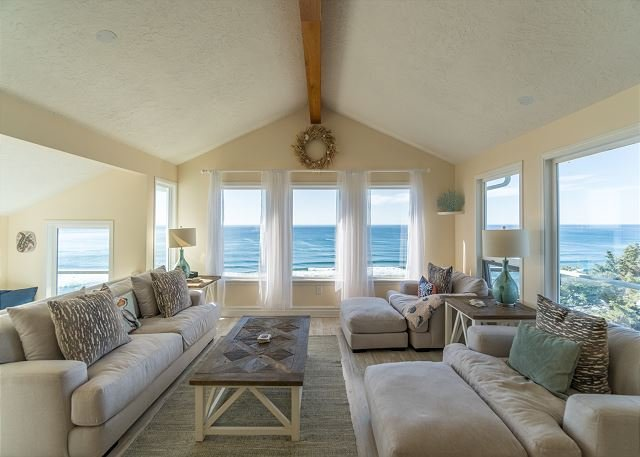 Amazing ocean front home located in Neskowin with great view of the Pacific, vacation rental in Cloverdale
