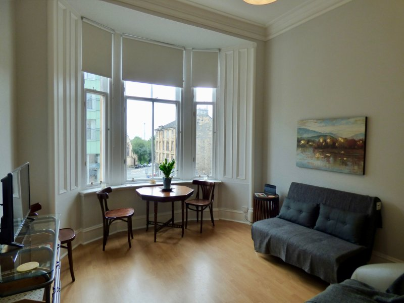 The Derby Suite - Free wifi in the heart of culinary Glasgow, holiday rental in Glasgow