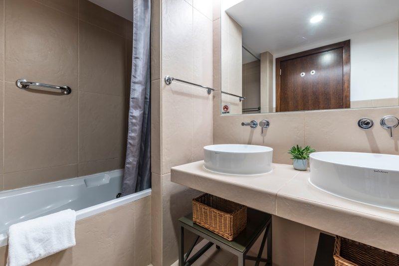 Los baños en suite.