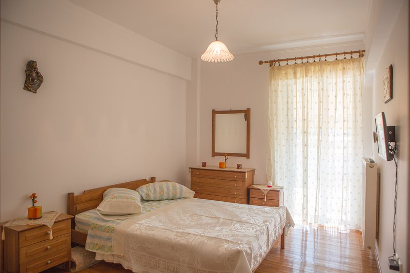 New beautiful 70m² apartment near everything, aluguéis de temporada em Mycenae