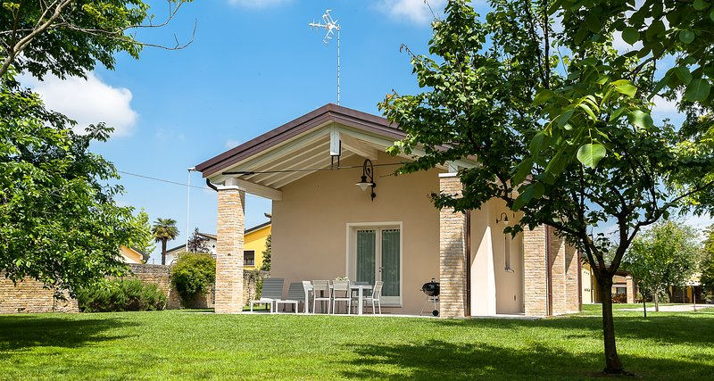 Particolari del Brenta - Daniela near Venice - Casa con ampio giardino, alquiler vacacional en Dogaletto