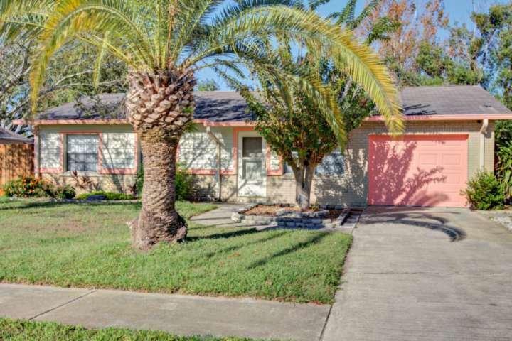 Enamorarse de esta casa de 3 dormitorios / 1.5 baño cómodo y hermoso en el barrio de Port Orange preciosa!