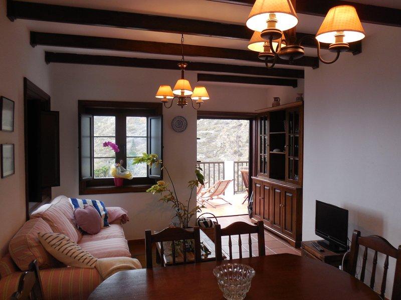 Casa Los Dragos Cosy apartment with beautiful views, Anaga Rural Park - Taganana, holiday rental in Taganana
