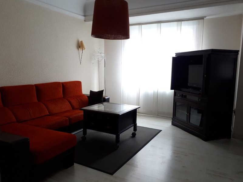 Apartamento de lujo en el centro de Logroño, holiday rental in Ausejo