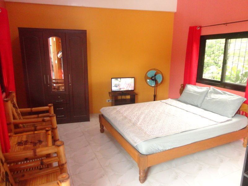 SpessArt Shop Guestrooms Ligao City, vacation rental in Bicol Region