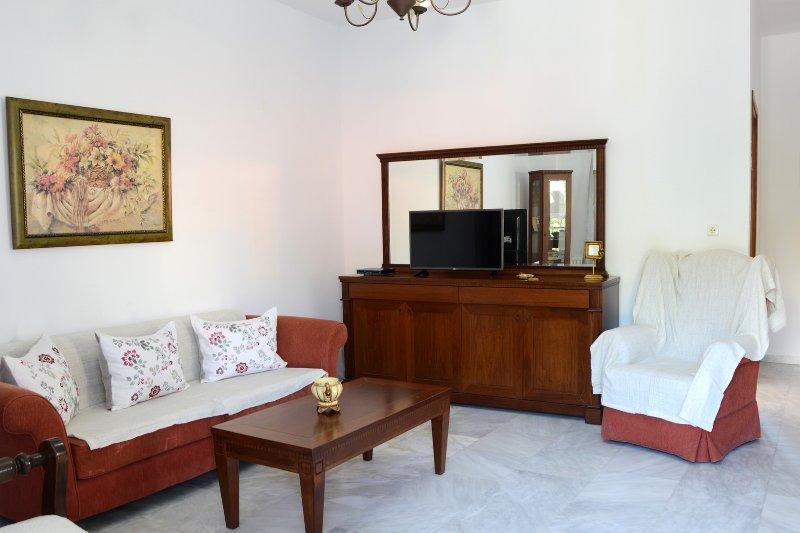 Villa Achilleas, holiday rental in Kakopetros