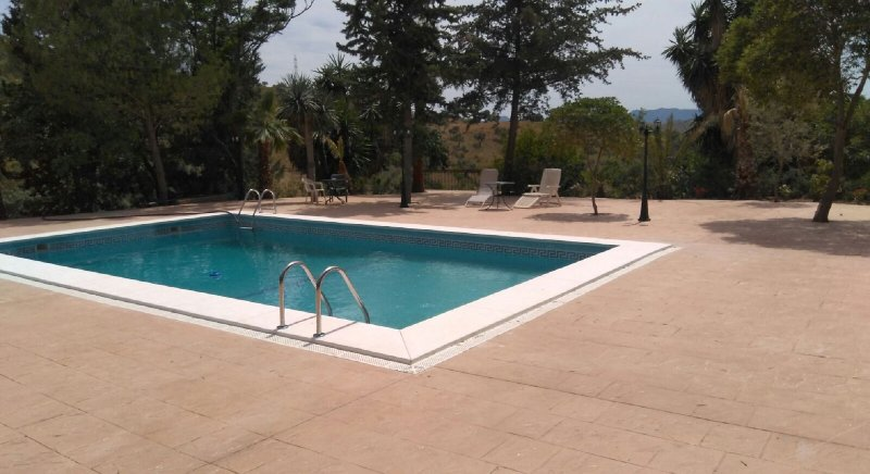 Big villa with swimming-pool & Wifi, holiday rental in Morche